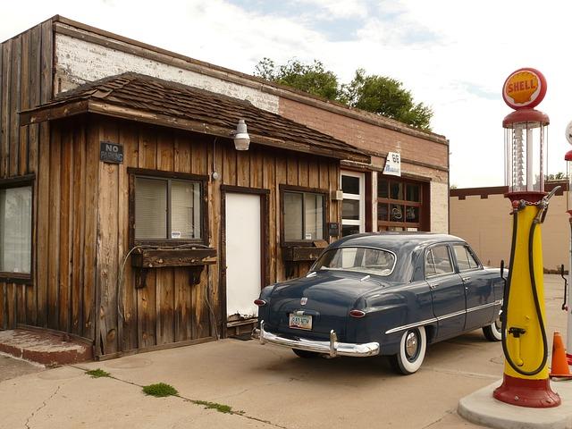 古いガソリンスタンド