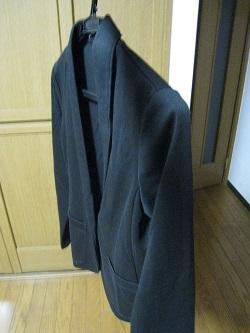 ユニクロ 黒ジャケット