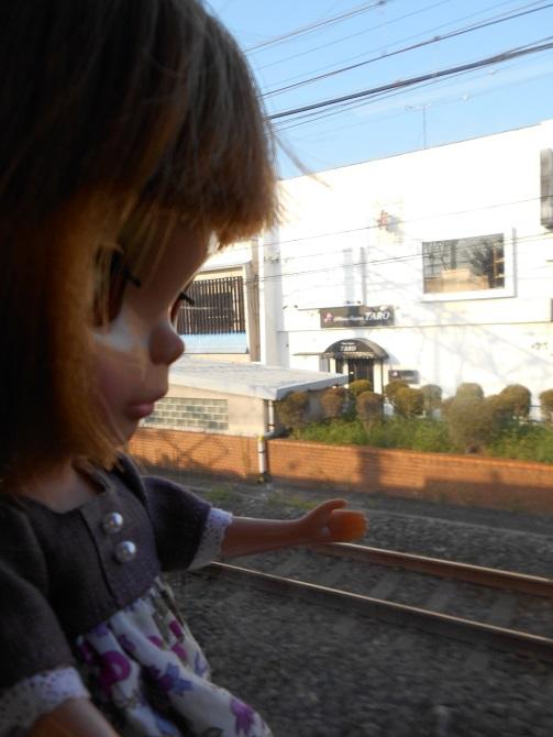 9 電車に乗るエミリー5