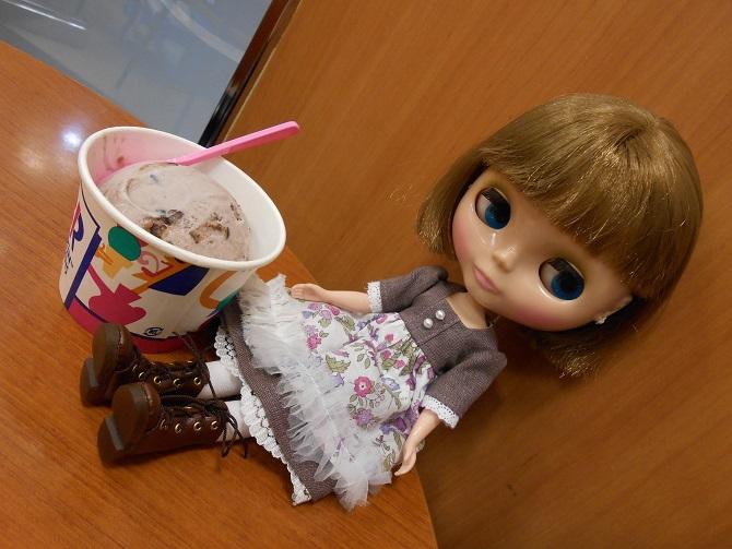 15 エミリーとアイス2