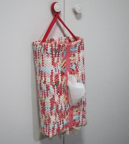 イチゴ裂き織りボックスティッシュカバー吊り型