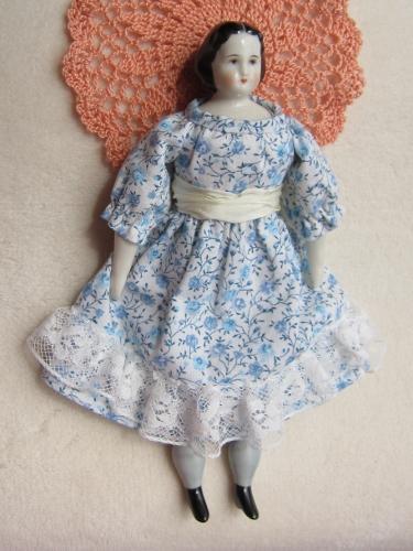 青小花ドレスの全体