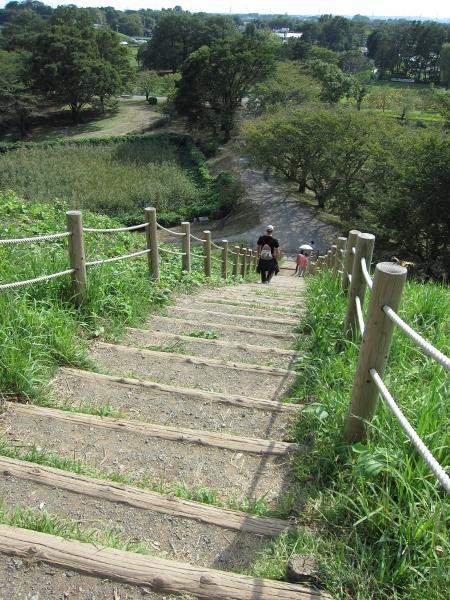 階段… 降りる方が怖い