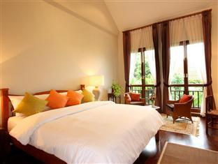 バーン クラン ウィアン (Baan Klang Wiang Hotel)