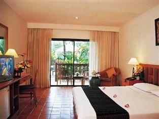 サラタイ リゾート (Salathai Resort)