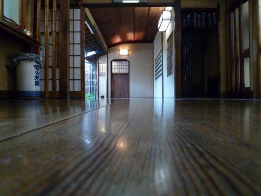 西山本館-2.jpg
