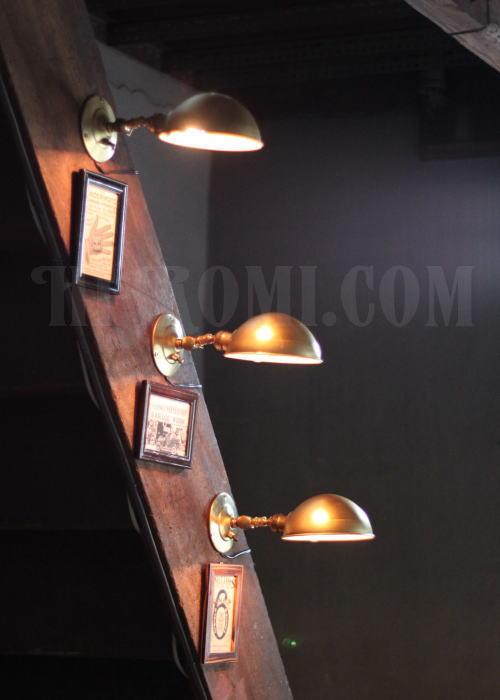 USAインダストリアル真鍮製角度調整付ブラケット 工業系壁掛ライト 照明計画 店舗設計 新築 新居 関西 神戸 Hi-Romi.com ハイロミドットコム 20130528-1