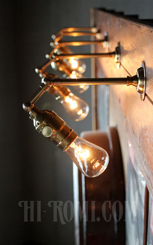 ヴィンテージ工業系角度調整付き真鍮ブラケットランプ/アンティークインダストリアル照明ブラケット/リメイクランプ&アンティーク照明/Hi-Romi.com(ハイロミドットコム)