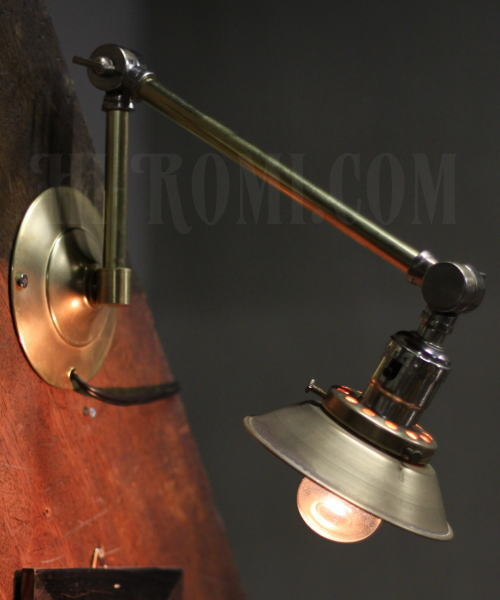 USA真鍮製ミニシェード&角度調整付ブラケット、Hi-Romi.com(ハイロミドットコム)アンティークランプ、ライト照明、灯り、修理、製作、リモデリング、オーバーホール、店舗設計、照明計画 20130426-1