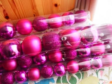 daiso Xmas ornament pink