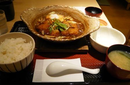 大戸屋:味噌カツ煮込み1