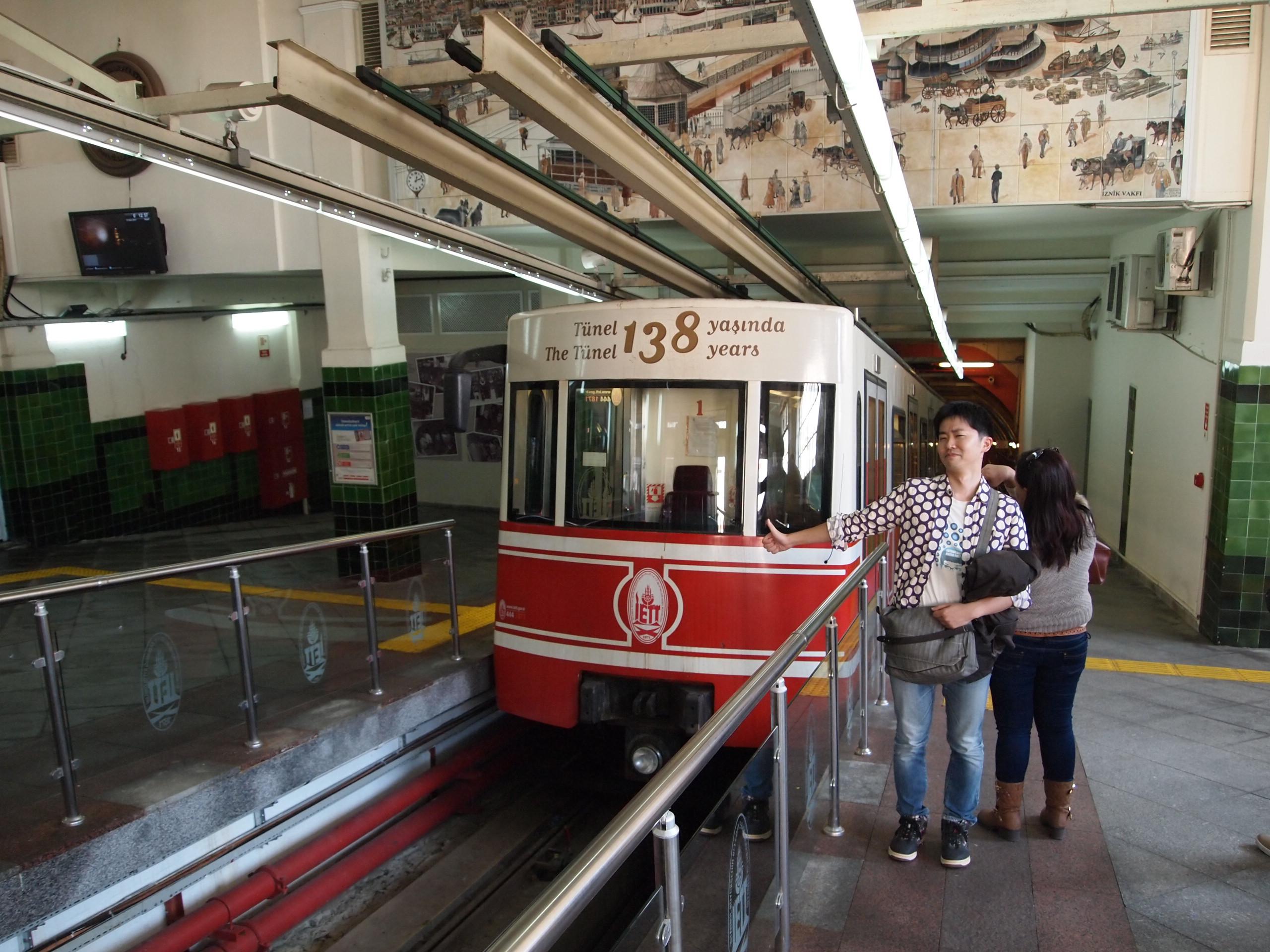 イスタンブールのテュネルは、ケーブルカーだ!
