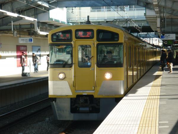 2013-12-28 西武2073F 各停所沢行き
