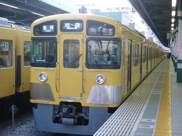 2014-01-12 西武2083F 各停池袋行き
