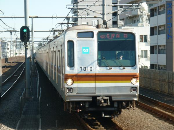 2014-01-13 メトロ7110F 各停保谷行き