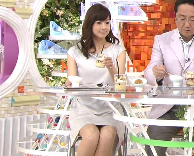 生野陽子 ミニスカワンピース▼ゾーン (めざましテレビ 20130809)