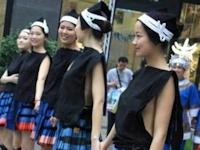 中国の少数民族の衣装がセクシーだと話題