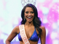 ミス・フーターズ2013世界大会はアメリカ・ケンタッキー州のMarissa Raisor(マリッサ・レイザー)が優勝