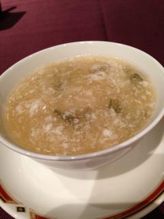 フカヒレとジュンサイのスープ