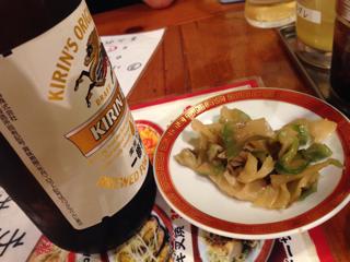 ビールとおつまみザーサイ