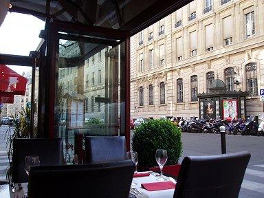 パリ2区パレロワイヤアル近くの日本人オーナーのレストランNAMIKI P6252597downsize