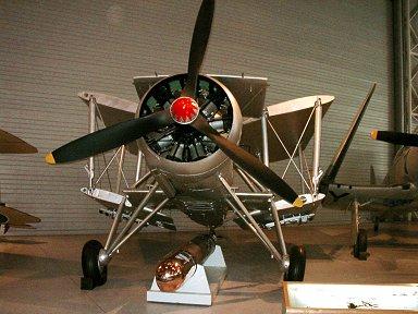 折りたたんだら前面面積がとても小さいCanadian Aviation MuseumのSwordfish downsize