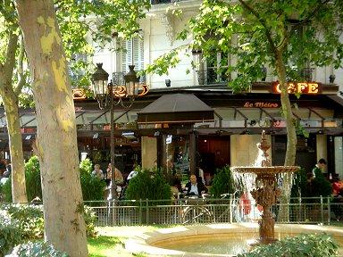 噴水が借景のサンジェルマンSt Germainのカフェその2 DSC02671downsize
