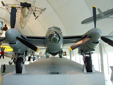 ブリストル機の職場を奪ったWooden WonderことモスキートこれはB35型downsize