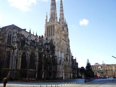サンタンドレ大聖堂の堂々とした佇まいdownsize