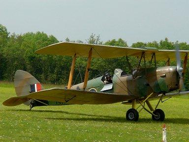 ショーを終えたタイガーモス機とパイロットその1Ferte Alais downsize