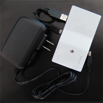 世界初、約10分でフル充電  超急速充電モバイルバッテリー02