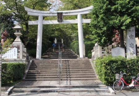 宗忠神社の石鳥居_H25.10.13撮影