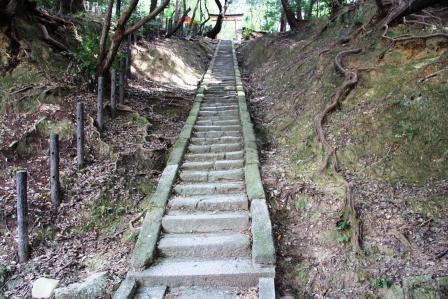 神龍社の石段_H25.10.13撮影