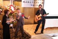明石洋子さん祝賀会_てっちゃんソング_ノリノリ徹之さん