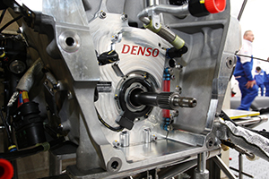 racing-hybrid-01m.jpg