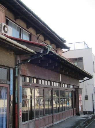 出し桁造りの建物④