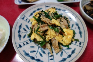 豚肉とニラの卵炒め