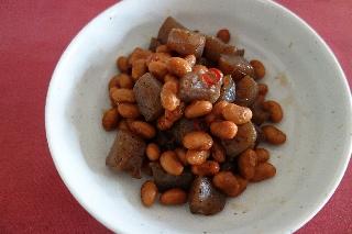こんにゃくと豆の炒め煮