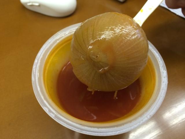 まるごと玉ねぎスープ