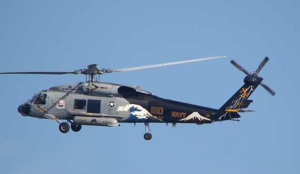 2014-1-3米海軍の対潜ヘリに富士に白波