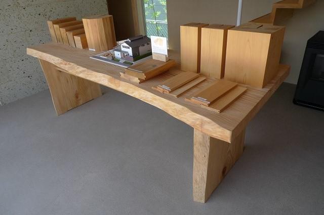 130712-モミのテーブル