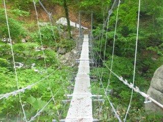 s03吊橋1
