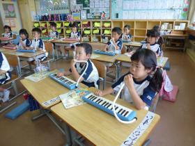 鍵盤ハーモニカ13-4