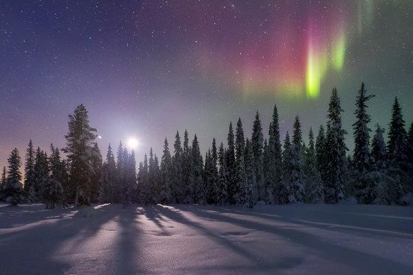 とある雪国の夜空とオーロラimage