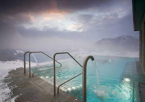 とある冬の温泉(カナダ)image