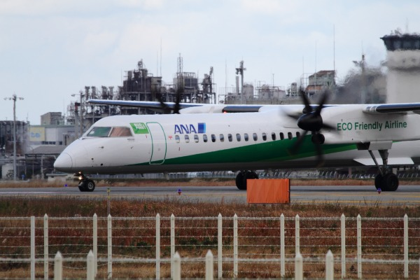 EH DHC-8-402Q JA858A RJOM 131228 009