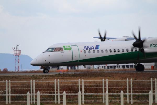 EH DHC-8-402Q JA858A RJOM 131228 013