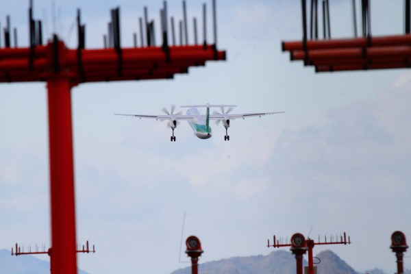 EH DHC-8-402Q JA858A RJOM 131228 021