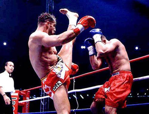 空手とキックボクシングってどっちが強いの?(´・ω・`)