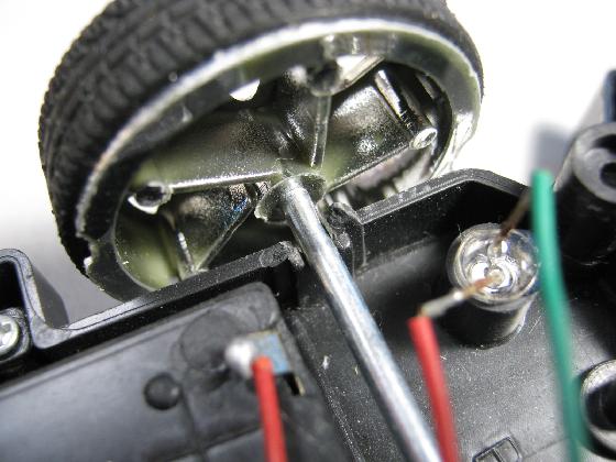 4×4RACINGの修理(シャーシ割れ)診察2